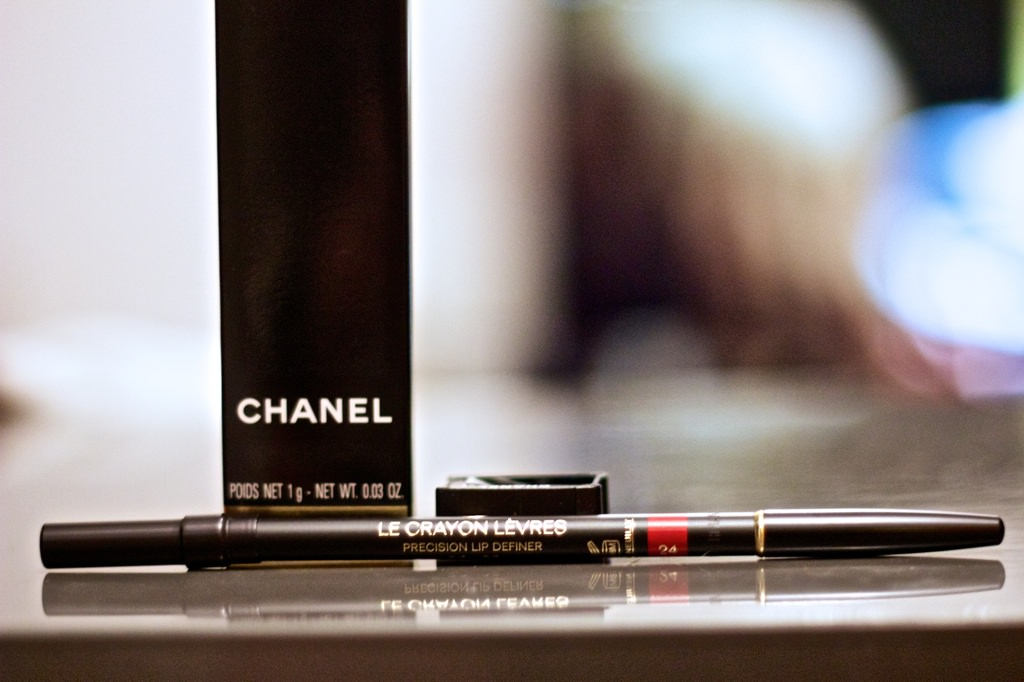 Chanel Le Crayon Levres Lip Pencil in Red 001